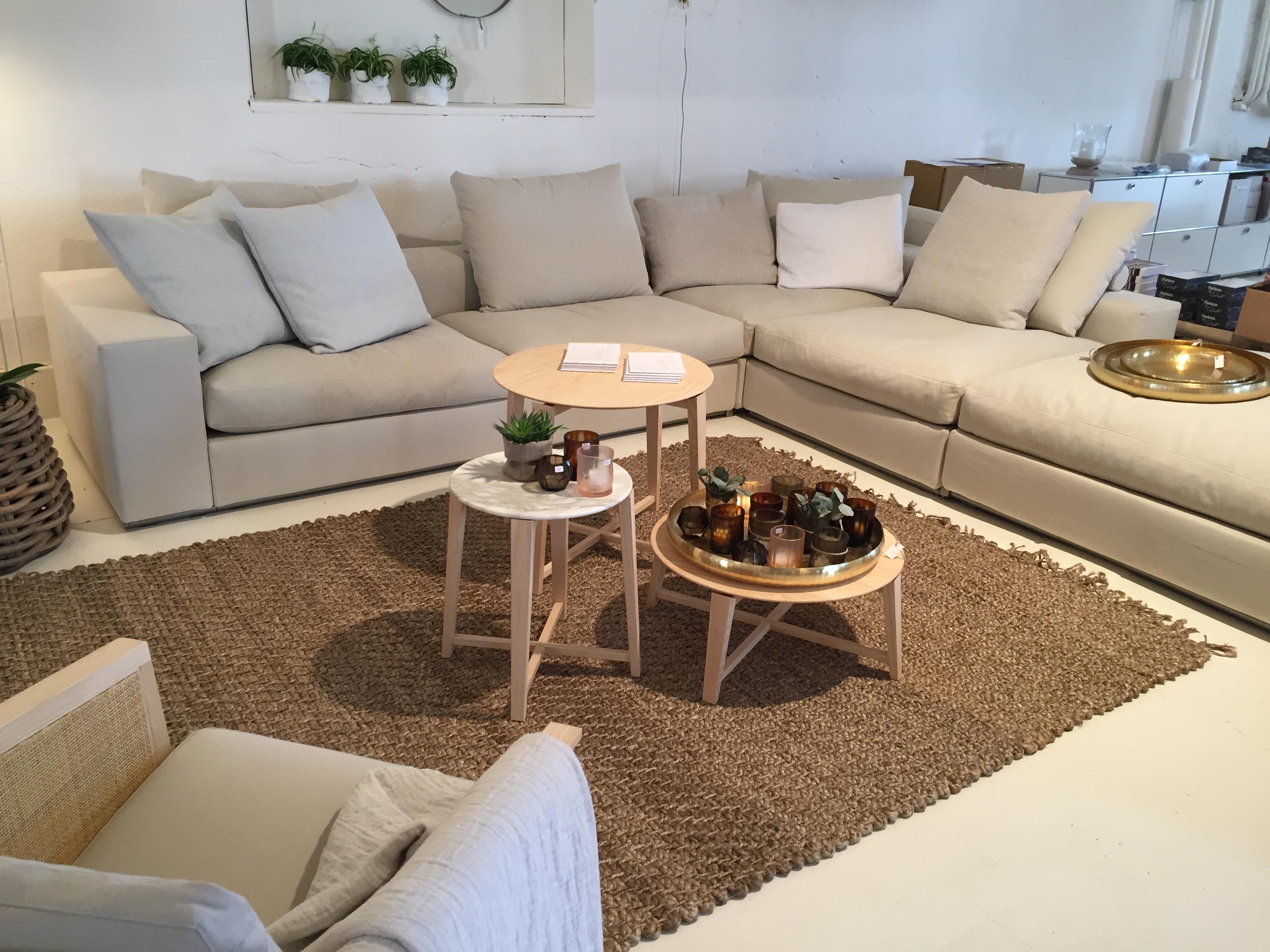 stylische sofas betten sowie leinen bett und tischw sche wohnaffinplus. Black Bedroom Furniture Sets. Home Design Ideas