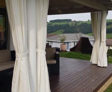 wetterfeste fleckenabweisende outdoor vorh nge f r den durchblick von innen nach aussen aber. Black Bedroom Furniture Sets. Home Design Ideas